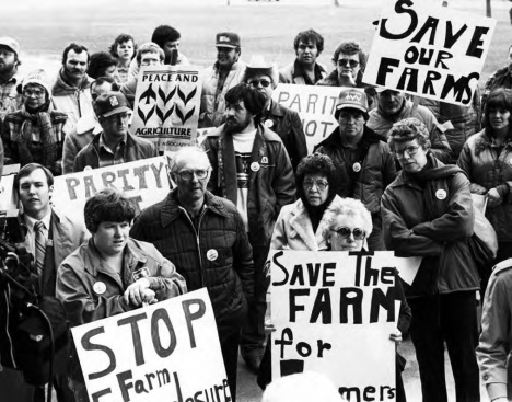1338496858_a-group-of-iowa-farmers-gathered-at-the-state-capitol-in-1983