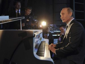 Putin at the piano