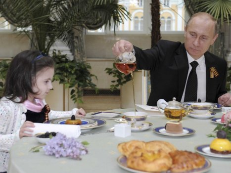 putin-hosted-a-lavish-tea-party-with-an-8-year-old-patient-of-the-rogachev-federal-research-and-clinical-center-of-pediatric-hematology-oncology-and-immunology