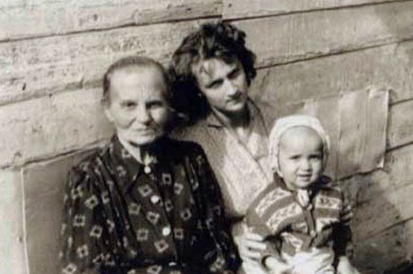 Putin's childhood family
